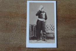 Cdv Photographie Militaire   Second Empire Marechal De Castellane   Ordres Et Décorations   Avec Autographe DISDERI - Guerra, Militari