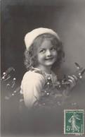CPA Fantaisie - Portrait Enfant - Fillette - Portraits