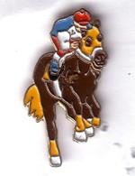 BB11 Pin's  CHEVAL TIERCE HORSE Achat Immédiat - Animaux