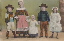 Pleyben 29 - Enfants Folklore - Costumes Bretons - Oblitération Pleyben 1929 - Pleyben