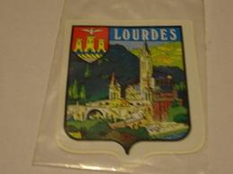 Blason écusson Adhésif Autocollant Lourdes (Pyrénées Atlantiques) - Oggetti 'Ricordo Di'