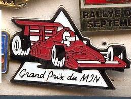 V21 Pin's RALLYE RALLY  GRAND PRIX DU MON FERRARI Achat Immédiat - Ferrari