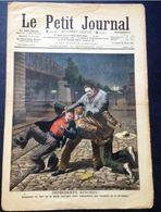 Le Petit Journal, Imprudents Apaches! Comment Un Fort De La Halle Corrigea Deux Malandrins Qui Venaient De Le Dévaliser - Journaux - Quotidiens