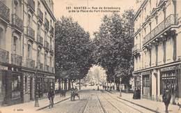 NANTES -  Rue De Strasbourg  Pres De La Place Du Port Communeau - Nantes
