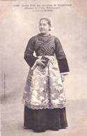 29 - Finistere -  Jeune Fille Des Environs De DOUARNENEZ ( PLOARE - LE JUCH - POULDERGAT )  Costume De Fete - Douarnenez