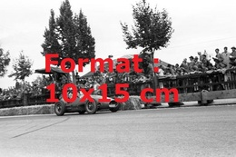 Reproduction Photographie Ancienne D'une Vue Du Pilote Froilan Gonzales En Ferrari 553 Au Grand Prix De Suisse En 1954 - Reproductions