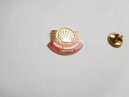 Beau Pin's En Zamac , Carburant Essence , Oil , Huile , SHELL , Sécurité Environnement Logistique , Signé Oui Paris - Fuels