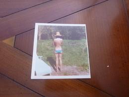 PIN-UP Original VINTAGE Photo 1973 8,5 X 8,5 Cm Sexy  Jeune Fille Femme  / Jolie  Erotique - Pin-Ups