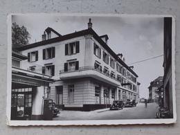 CPA Suisse CHATEL ST DENIS 1954 Hôtel Garage Voitures Anciennes - FR Fribourg
