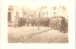 Dépt 17 - THAIRÉ-D'AUNIS (rue Jean Coyttar) - CARTE-PHOTO Défilé Militaire Près De La Mairie - (environs De La Jarrie) - Autres Communes