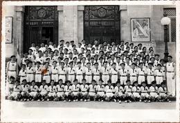Gde Photo Originale Groupe D'Hommes Aux Bérets,  Espadrilles, Short & Tee-Shirt Blanc Au Gros Coq Noir Mazamet 1930/40 - Sporten