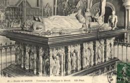 D 3362 - Musée De Dijon    Tombeau De Philippe Le Hardi    N° 46 - Museen