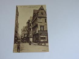 NANTES - La Rue Des Carmes Et Vieilles Maisons  Ref 1345 - Nantes