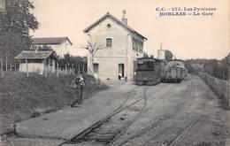 64 .n° 108700 . Morlaas . Train . La Gare .vue D Ensemble . - Morlaas