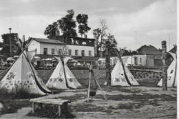 """AK 0412  Bernburg ( Saale ) - HO-Eiscafe """" Bärenburg """" Mit Indianerdorf / Ostalgie , DDR Um 1975 - Bernburg (Saale)"""