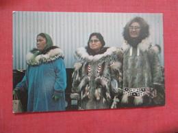 Eskimos  Kotzabue Alaska  Ref 3847 - Indiaans (Noord-Amerikaans)