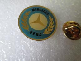 PIN'S    LOGO  MERCEDES - Mercedes