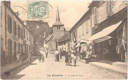 Dépt 23 - LA COURTINE - La Grande Rue - (VDC) - HÔTEL SAUTY à Gauche - La Courtine
