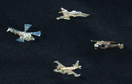 """PIN'S """"Aéronautique Navale"""" – LOT DE 04 PIN'S – 1970/1990 – PORT INCLUS - Pin's"""