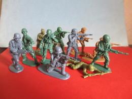 Lot Jeux Jouets 11 Figurines Petits Soldats PAS Starlux Figurine Plastique Guerre 39-45 WW2 1935-1945 Soldat - Starlux