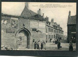 CPA - ROSCOFF - Chapelle Commémorative Du Débarquement De Marie Stuart Et La Rue Du Port, Animé - Roscoff