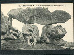 CPA - BRIGNOGAN - L'Arc De Triomphe De Roch Ar Guehiel à Minéoc, Animé - Brignogan-Plage