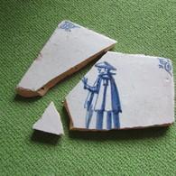 17th Century Delft Tile Fragment  Chinese Man In Hat - Arqueología