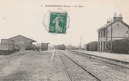 CPA:RANDONNAI (61) TRAIN GARE.ÉCRITE - Frankreich
