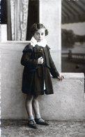 PHOTO ORIGINAL NIÑA ELEGANTE LITTLE GIRL VINTAGE CIRCA 1940 SIZE 8X13CM - NTVG. - Anonyme Personen