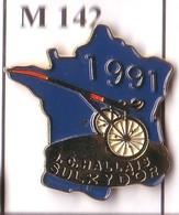 M142 Pin's Carte De France CHEVAL TIERCE SULKY D'OR J C HALLAIS Horse Achat Immédiat - Animaux