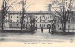 MILITARIA ( Allemagne Rhénanie Palatinat ) GERMERSHEIM : Entrée De La Caserne Galliéni - CPA écrite 1925 - - Casernes