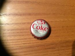 """Ancienne Capsule """"Coke N°63-MARTINIQUE-STATUE OF EMPRESS JOSEPHINE""""Etats-Unis (USA) Coca-Cola, Série Pays (Liège Enlevé) - Soda"""