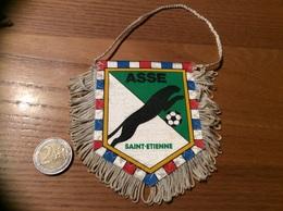Fanion Football «ASSE - SAINT-ETIENNE» (Panthère) - Kleding, Souvenirs & Andere