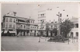 Tarjeta Postal. Foto.  España. La Línea De La Concepción - Plaza Del  Generalisimo. Estado Medio. - Cádiz