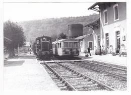 46 Cajarc PHOTO Originale Train Autorail SNCF Et Locotracteur Y 6270 En Gare Le 6 Sept 1973 VOIR DOS - Eisenbahnen