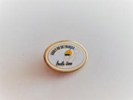 PINS  SPORTS D'HIVER ECOLE DU SKI FRANCAIS ISOLA 2000 06 ALPES MARITIMES / Base Dorée  /  33NAT - Wintersport