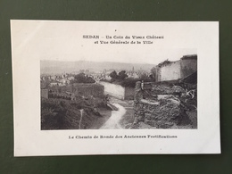 SEDAN-Un Coin Du Vieux Château Et Vue Générale De La Ville - Sedan