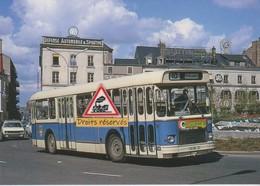 Autobus Saviem SC10, Place De La République Au Mans (72) - - Le Mans