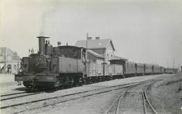 LOCOMOTIVE  - N° 3526 ,arrivée Du Train En Gare De Cayeux, Photo Format Carte Ancienne En 1949. - Eisenbahnen