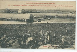 Fermanville- Le Port Du Cap Lévy, Le Canot De Sauvetage Et Le Poste Des Douaniers - Autres Communes