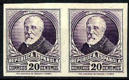 España Nº 666s Charnela. Cat.25€ - 1931-50 Unused Stamps