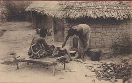 Belgisch Congo Belge Preparation Des Aliments Mission Missie Der Norbertijnen Van Tongerloo Ethnique Natives Missionary - Congo Belga - Altri