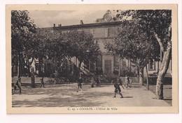 Cogolin: L'Hôtel De Ville - Ed. Albert Chauvier, Cogolin - Enfants En Récréation - - Cogolin