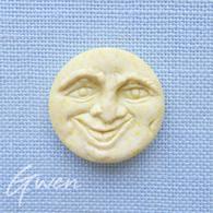 Feve Ancienne Prime Grosse Lune Jaune En Biscuit Mat Teintée Dans La Masse - Anciennes