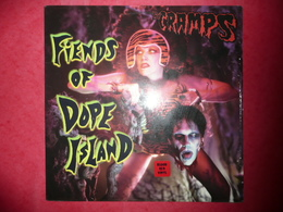 LP N°1483 - THE CRAMPS - FIENDS OF DOPE ISLAND - COMPILATION 13 TITRES - Punk