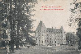 MONT CAUVAIRE Collège De Normandie La Maison  Des Pommiers - Altri Comuni