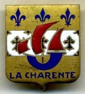 Insigne LA CHARENTE,pétrolier___drago O.M - Navy