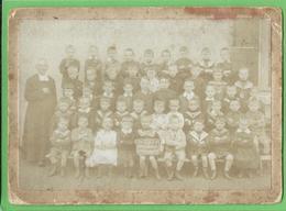 Namur - Salzinnes - Photo De Classe Style Photo De Cabinet - Ecole Saint-Joseph 1916 - 14.3 X 10.3 Cm - Namur
