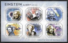MOZAMBIQUE   Feuillet N° 3932/37   * *  ( Cote 22e ) Abert Einstein - Albert Einstein