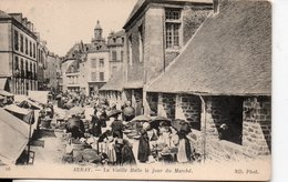 AURAY -La Vieille Halle Le Jour Du Marché - France